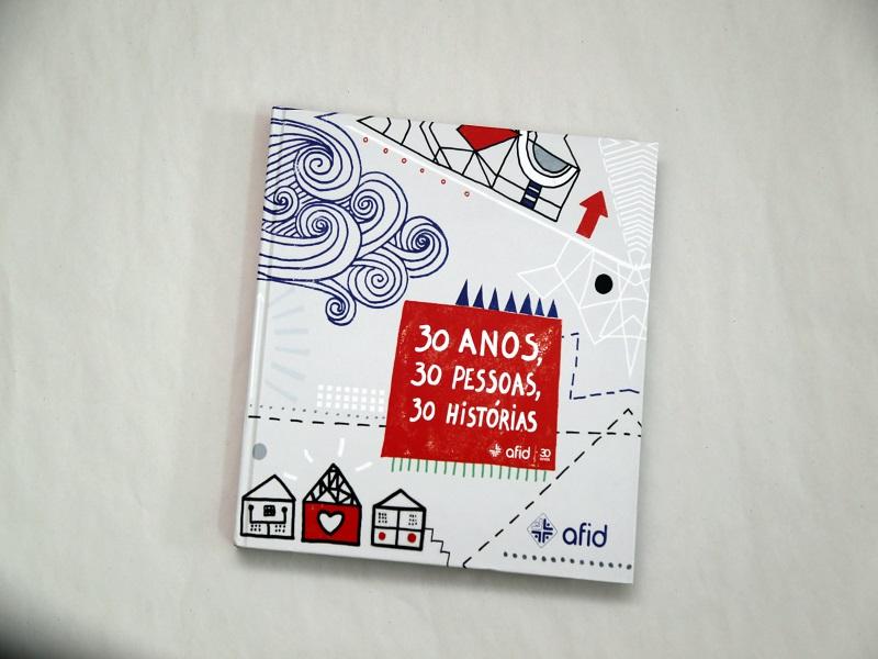 Livro 30 anos, 30 Pessoas, 30 Histórias