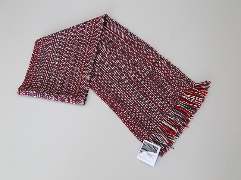 Individual de Mesa em tons vermelho e branco