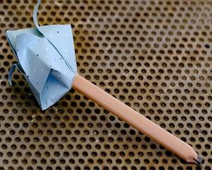 Lápis em Flor Origami