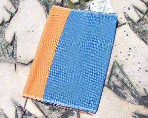 Capa de Livro Laranja/Azul
