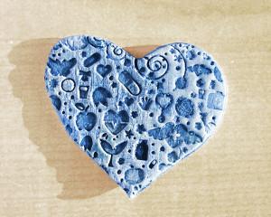 Pisa-papéis Coração em Relevo Azul